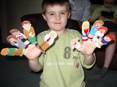Színes, ötletes bábok gyerekeknek
