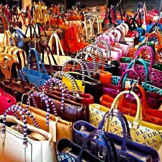 A táska webáruház a nők segítője