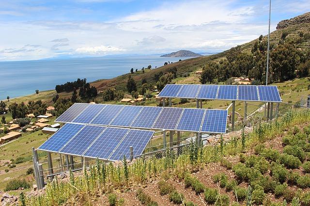 Hogyan működik a napelemes közvilágítás?